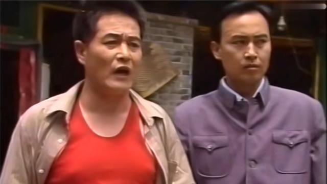 一村之长村民拥戴赵本山当村长他却说完了还没跟老婆请示呢