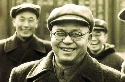 吴晗的人格问题,吴晗的命运悲剧,实是中国知识分子集体缺钙导致后遗症