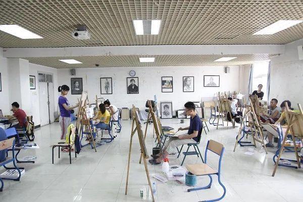 美术艺考中总会出现这么一个问题,很多同学在重新进入寒假集训的时候