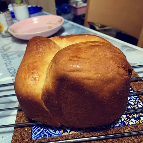 健康减脂的中种烫种100%全麦无油无糖吐司(面包机版)的做法
