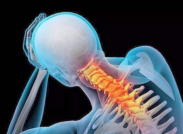 前臂内外侧,肘关节内外侧),咳嗽,打喷嚏,深呼吸均可诱发难以忍受的