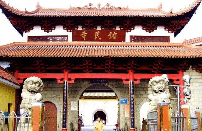 江西有座处在闹市中的寺庙距今已有1500年的历史门票仅2元
