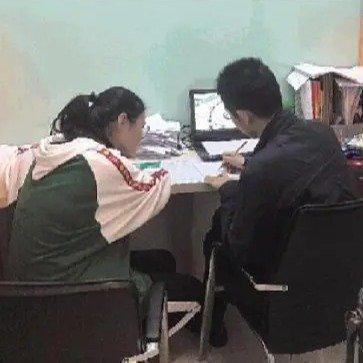 住家教师月薪两三万元__凤凰网