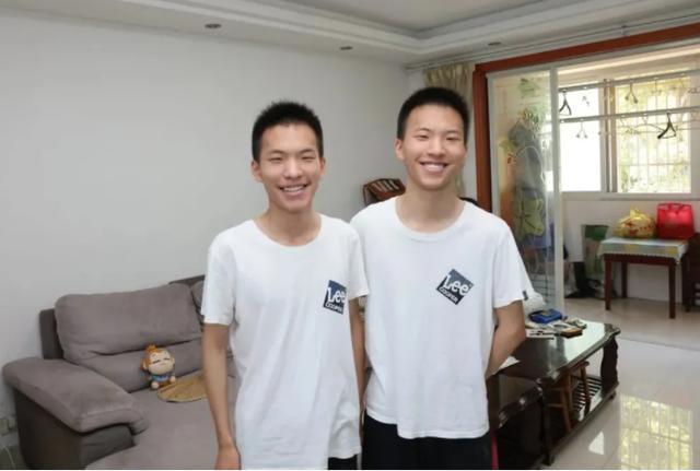 一个清华一个北大双胞胎兄弟高考成绩复制粘贴心有灵犀