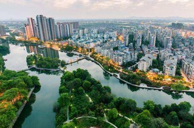 乐安县常住人口为30.79万人,崇仁县常住人口为30.